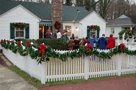 decorating mailboxes fences and porches for christmas