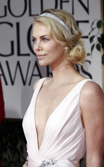 The Look For Less Charlize Therons 2005 Golden Globes Dress by Charlize Theron Golden Globes 2014 Www Pixshark