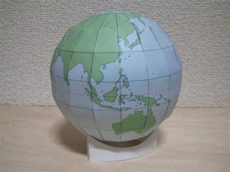 How To Make Paper Globe - simple globe free papercraft template