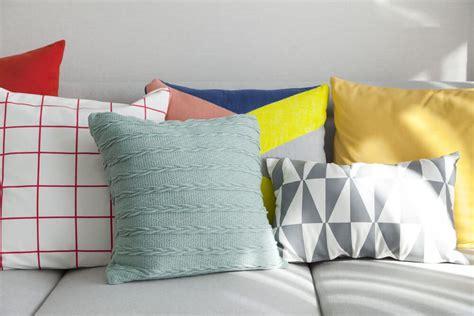 accent pillows for grey sofa 35 sofa throw pillow exles sofa d 233 cor guide light
