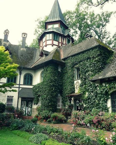 ivy house curb appeal ivy house california curb appeal pinterest beautiful old world