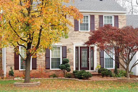 fall landscaping tips 7 curb appeal tips for fall hgtv