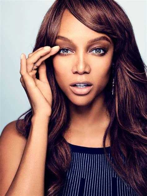 tyra banks supermodel tyra banks launches makeup line glamour