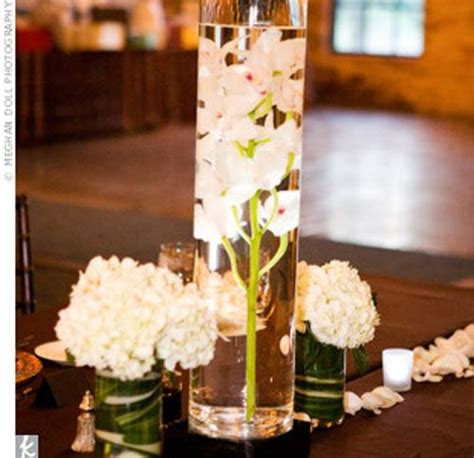 submersible flower centerpieces best 25 submerged flowers ideas on wedding centerpieces cheap diy centrepieces and