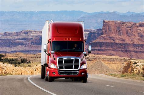freightliner trucks freightliner introduces high visibility truck lite led