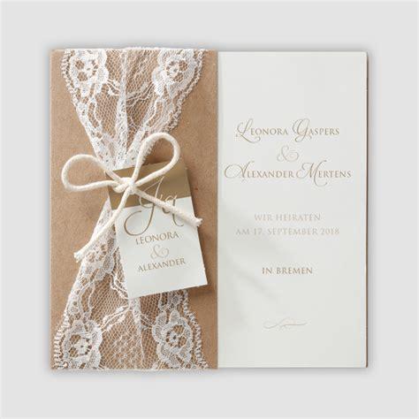 Stilvolle Hochzeitseinladungen by Stilvolle Hochzeitseinladung In Einer H 252 Lle Aus Packpapier