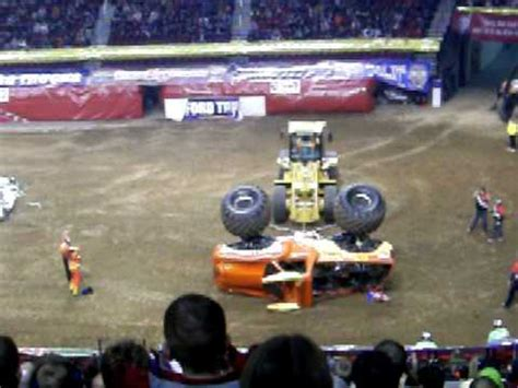 monster truck show portland oregon monster jam 2009 portland oregon el toro loco takes a