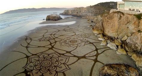 amazing geometric forms sculpted with sand my modern met creative visual art amazing sand art from andres amador