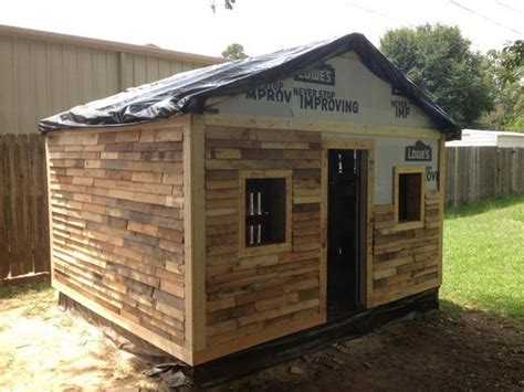 pallet wood  siding   outdoor shed pallet