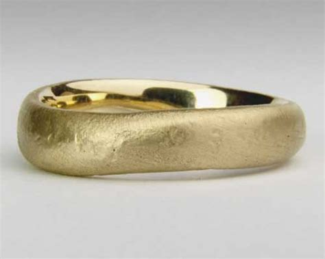 Handmade Gold Rings Uk - handmade gold wedding ring in the uk