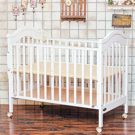 European Baby Cribs European Types Solid Wood Baby Bed Multifunctional Lengthen Baby Crib 3 Levels Adjustable Baby
