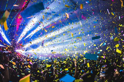 global new year countdown insomniac events rung in 2016 with a sold out countdown