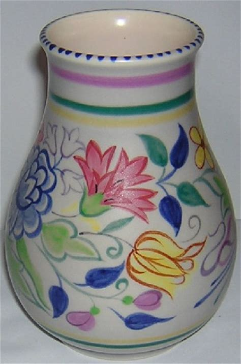 Poole Pottery Vase Patterns by Poole Pottery Traditional Elaborate Bn Pattern Vase Shape