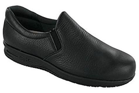 sas s patriot slip resistant black size