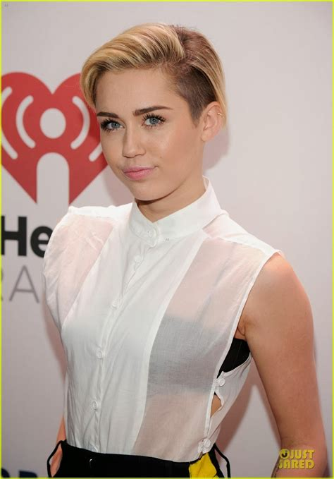 celeb diary miley cyrus  zs jingle ball