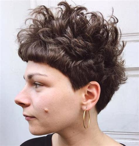 product to use on picie hairstyles 30 standout curly and wavy pixie cuts