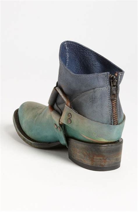 spray paint ugg boots 17 best images about my style on silver hair