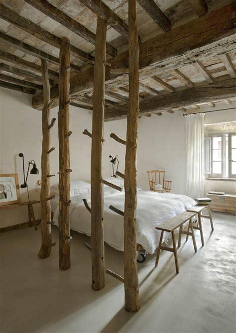 Chambre En Bois Rustique by Poutres En Bois Pour La D 233 Co De La Chambre 224 Coucher Moderne