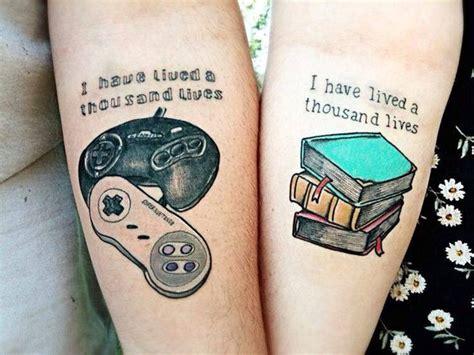 tattoo a faire en couple 12 tatouages parfaits 224 faire en couple geeks parfait