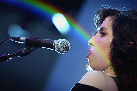 Winehouse Weds In Miami by Winehouse S Wedding Dress Stolen