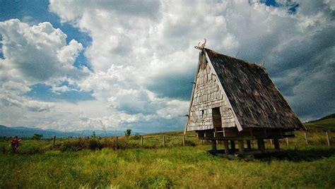 rumah adat tambi struktur ciri khasnya beserta gambar