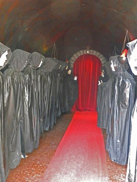haunted house decorations haunted house ideas and props diy haunted house props