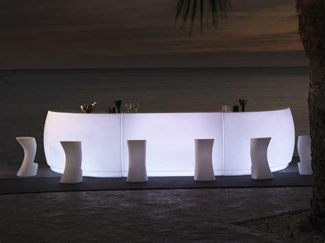 bancone bar illuminato bancone bar illuminato by vondom design archirivolto