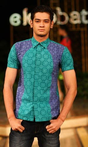 Foto Baju Batik Danar Hadi batik danar hadi sport untuk pria yang berjiwa muda okezone lifestyle