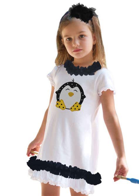 Dress Pinguin personalized white and black ruffle penguin