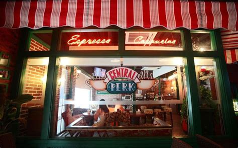 "The Central Perk Cafe From ""Friends"" Is Real (In China)"