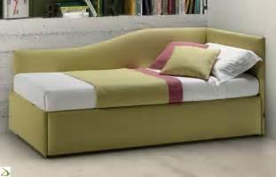 immagini divani letto letto sagomato con secondo letto pluto arredo design