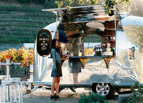 Lenkstange Auto by An Airstream Trailer With A Liquor License Food Purewow