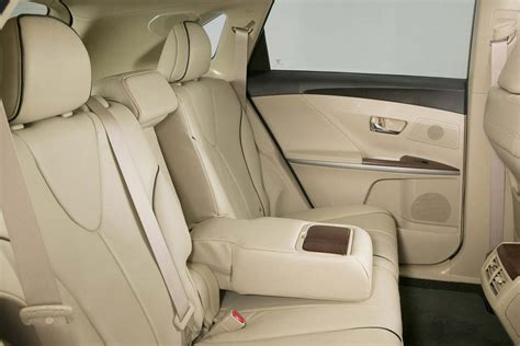 Toyota Venza Seating 2011 Toyota Venza Review Specs Pictures Price Mpg