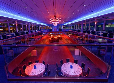 luxury boat cruise nyc the hornblower infinity yacht dinner party cruises nyc
