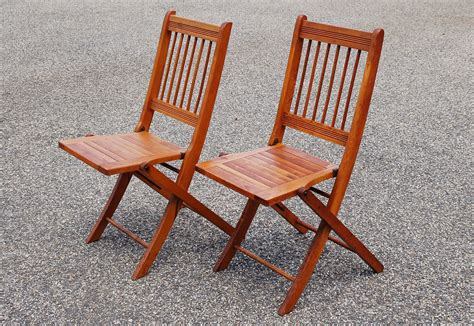 Wooden Slat Chairs by 2 Folding Wood Chairs Pair Of Wood Slat Folding Chairs Dowel
