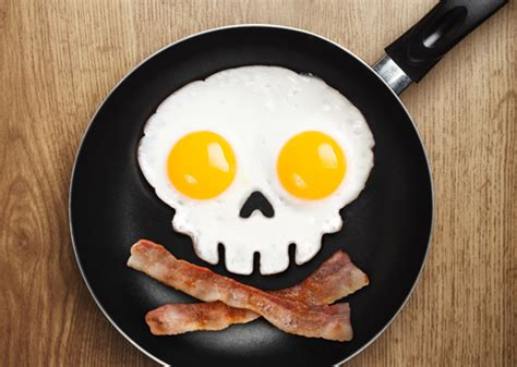 Skull Egg by A Mold To Make Skull Shaped Fried Eggs