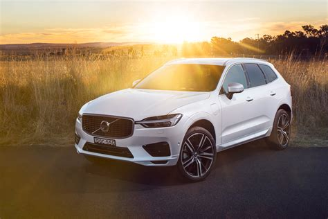 wallpaper volvo xc  inscription plug  hybrid suv