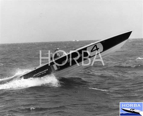 cigarette boat old historic offshore race boat association vincenzo balestrieri