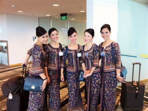 Cabin Crew In Singapore by Singapore Airlines Flight Attendant Pramugari