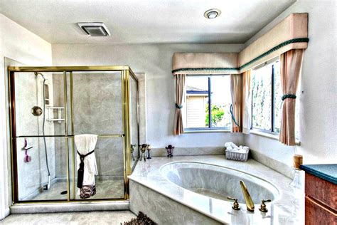 bathrooms vacation home three bathrooms