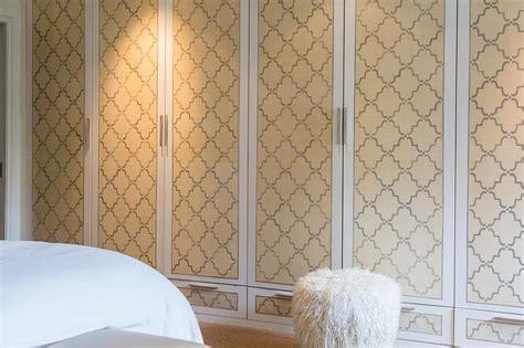 Wallpaper Closet Doors Closet Door Makeovers 3 Creative And Easy Ideas To Try