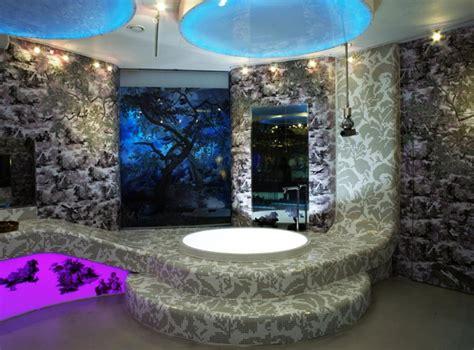 bad mit mosaik badezimmer mit mosaik gestalten 48 ideen archzine net