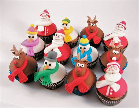 30 astonishing christmas cupcakes