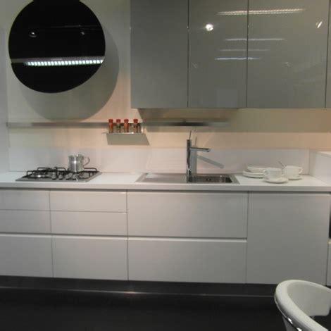 cucine ar tre cucina ar tre flo moderna laccato lucido cucine