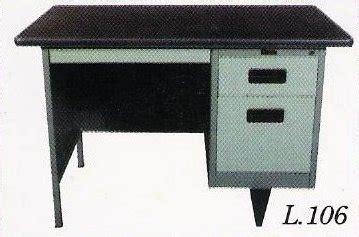 Meja Kantor Geniotech meja kantor besi berikut laci type l 106 metal