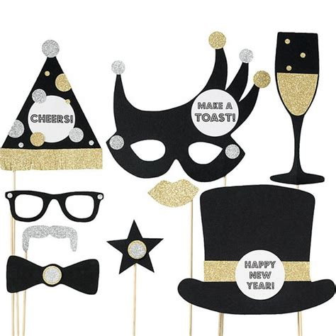 new years eve photo booth props new years eve party new bring on the bling 28 decor ideas for your nye party