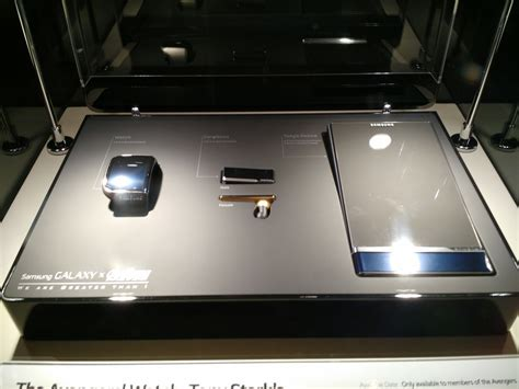 Samsung Iron here is the cool samsung concept tech tony stark will use in age of ultron droid