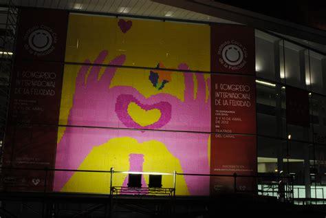 el arte de la felicidad the art of happiness spanish edition ebook muro de la felicidad stop mottion con post it art