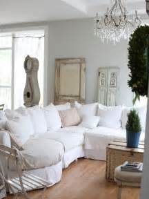 Shabby chic inspired d 233 cor looks its best when items of upholstery