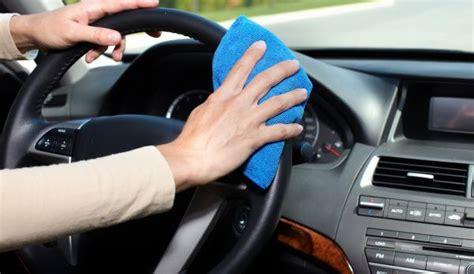 Cairan Pembersih Fabric 5 cara membersihkan plafon mobil yang baik dan benar